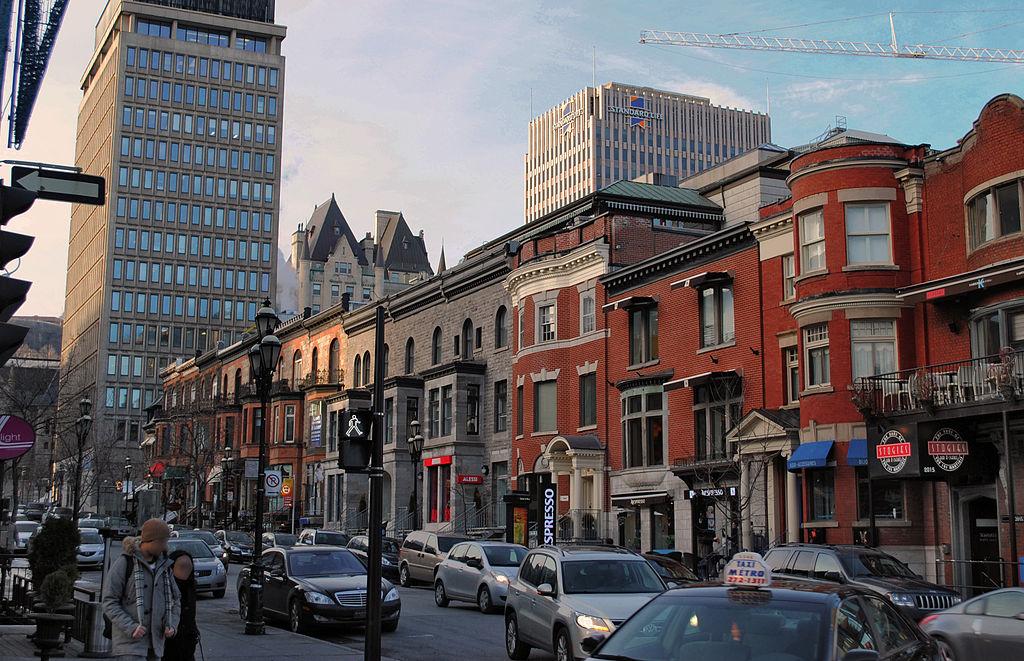 1024px-Montreal_-_Rue_Crescent